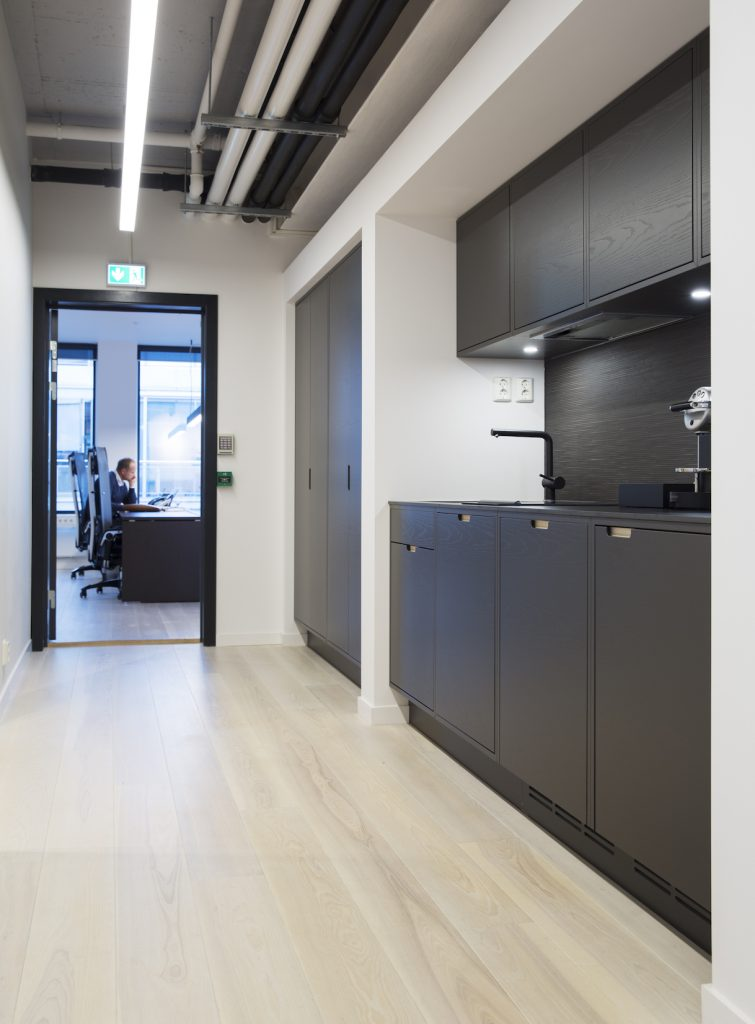 Nyfelt og Strand Interiørarkitekter, Avance Gas, kjøkken