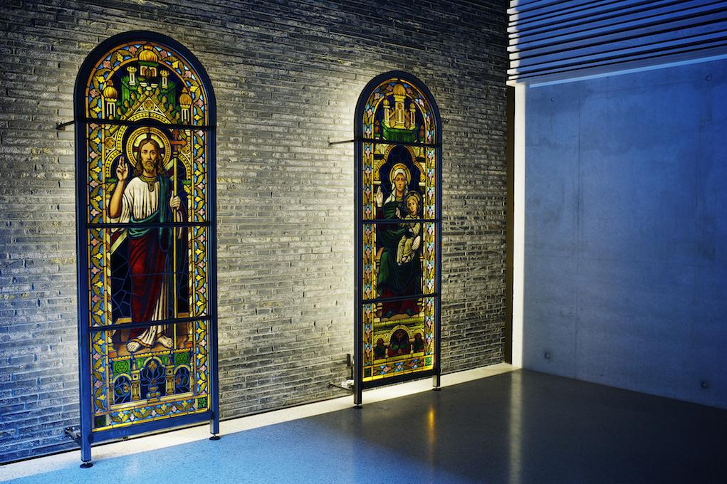 Nyfelt og Strand Interiørarkitekter, Bøler kirke, glassmaleri