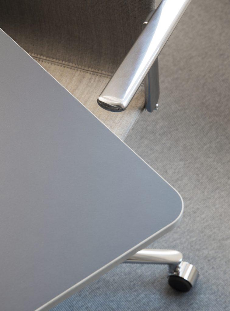 Nyfelt og Strand Interiørarkitekter, Stolt-Nielsen Gas, møtebord