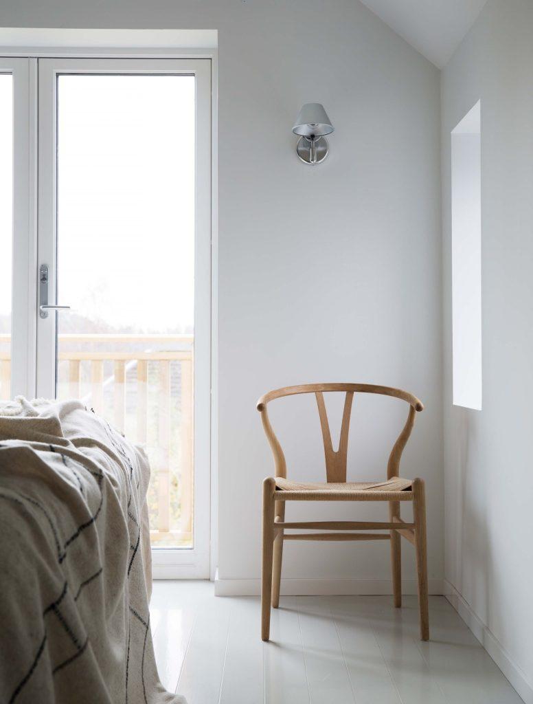 Nyfelt og Strand interiørarkitekter, enebolig nøtterøy, soverom, y-chair