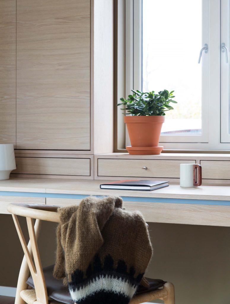 Nyfelt og Strand interiørarkitekter, enebolig nøtterøy, spesialinnredning, skrivebord med oppbevaring